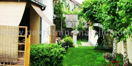 Kuća Centar 100 m2+ 2.8 ari placa
