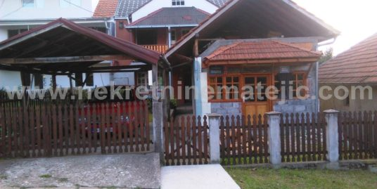 Kuća Košutnjak 150 m2 + 4 ara
