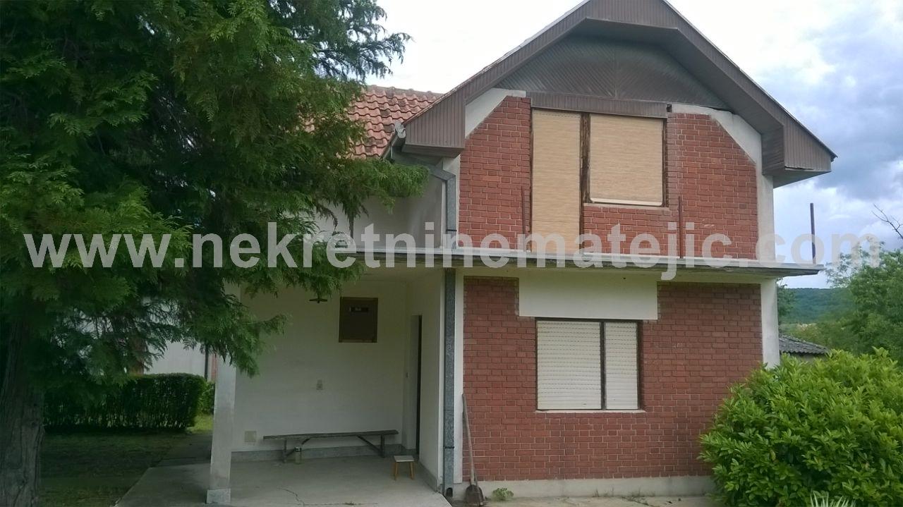Kuća Jovanovac 100m2 21,5ari placa