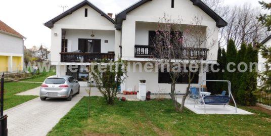 Kuća Šumarice 220m2 -12ari-CENA 119.000 E