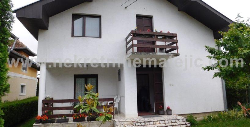 Kuća Šumarice 130m2+4,2 ara