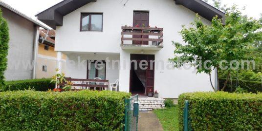 Kuća Šumarice 130 m2+ 4,2 ara- 47.000 E