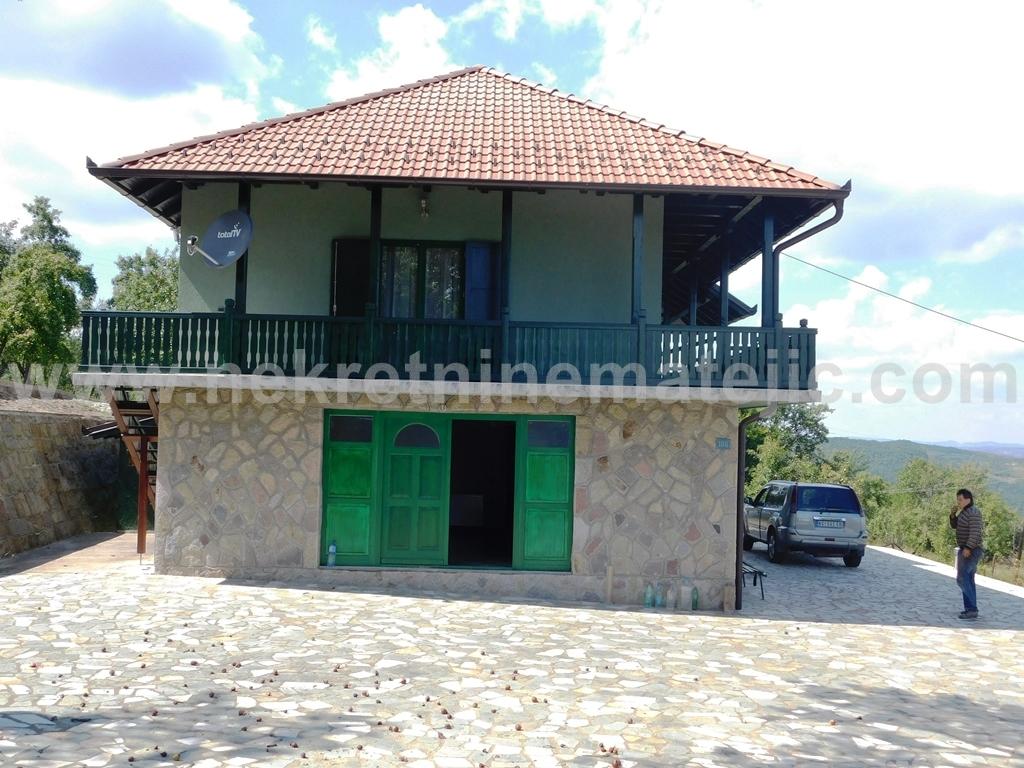 PAJSIJEVIĆ-Okolina Kragujevca -Kuća 200m2+140ari–145.000 E